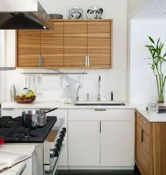 Wood + marble mixed kitchen