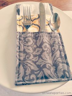 Mother's Day gift idea:  DIY Silverware Holder tutorial & free pattern.