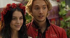 Francis and Mary Reign Catherine, Reign Mary And Francis, Marie Stuart, Reign Tv Show, Toby Regbo, Ensemble Cast, Aesthetic Gif, Queen Mary, Movies And Tv Shows