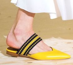 4b213910e50 The best designer shoes from the Spring/Summer 2018 Επώνυμα Παπούτσια,  Slippers, Κοριτσίστικα