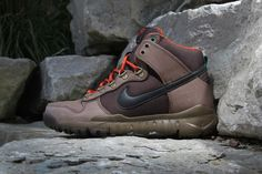 Redesigned to withstand the harsh weather of fall and winter, the iconic high-top Dunk has been updated as a part of Nike's new Off Mo...
