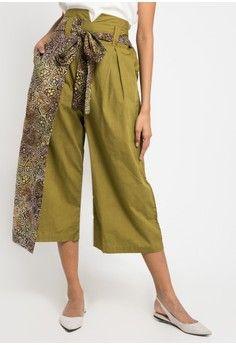 Wanita > Pakaian > Bawahan > Celana & Legging > Onion Kulot Pants > DEBRA LUNN