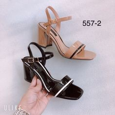 Designer Shoes, Designer Dresses, Woman Shoes, Pretty Shoes, Phan, Chunky Heels, Gatsby, Girls Shoes, Shoe Boots