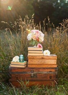 Поле книжки ящик цветы