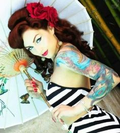 Gorgeous pin up girl