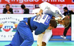 Victor Penalber é ouro, e judô do Brasil leva mais duas pratas em Qingdao  Maria Portela e Renan Nunes também sobem ao pódio na China