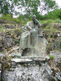Gavarnie - La statue du comte Henry Russell