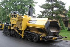 Lafarge 1713016 CAT AP1055D paving machine Ottawa, Ontario Canada 09122008 ©Ian A. McCord