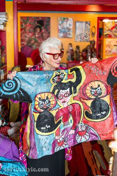 How to wear your art - A style interview with Sue Kreitzman | 40plusstyle.com