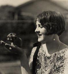 Billie Dove, 1922