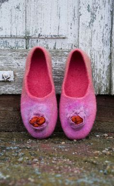 Women house shoes felted slippers Linen by BureBureSlippers, €51.56