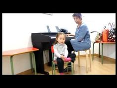 niña con oido absoluto - YouTube