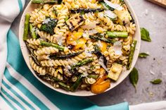 This grilled summer vegetable pasta salad is healthy and full of flavor! Zucchini, asparagus, corn, and yellow bell peppers are grilled to perfection and tossed with a fresh, lemony dressing. Easy to make and feeds a crowd! Summer Salad Recipes, Pasta Salad Recipes, Summer Salads, Veg Recipes, Recipies, Cooking Recipes, Penne, Italian Dressing Pasta Salad, Feta