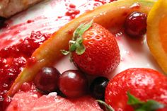 Everything you love loves each other: wine-soaked fruit is a delicious, healthy dessert. <3