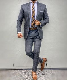 Men's business suits - Best shirt stays to keep your shirt tucked in The Suits, Types Of Suits, Cool Suits, Moda Formal, Mode Costume, Shirt Tucked In, Inspiration Mode, Mens Fashion Suits, Beard Fashion