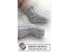 Strikkeopskrifter til Baby - Vælg mellem strikkekits til baby her - Klik nu High Socks, Baby, Fashion, Moda, Thigh High Socks, Fashion Styles, Stockings, Baby Humor, Fashion Illustrations