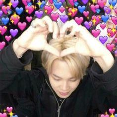 Memes heart kpop bts 53 Ideas for 2019 Bts Meme Faces, Memes Funny Faces, Funny Tweets, Foto Bts, Bts Emoji, Memes Lindos, Heart Meme, Kpop Memes, Cute Love Memes
