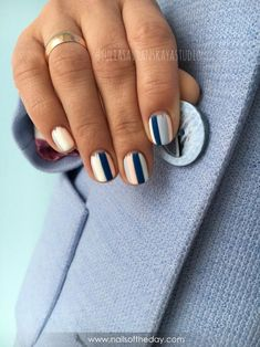 Manicure ideas for short nails design negative space Trendy Ideas Shellac Nails, Nude Nails, Matte Nails, Nail Manicure, Diy Nails, Manicure Ideas, Stylish Nails, Trendy Nails, American Nails