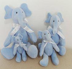 Família de elefantes. Podem ser vendidos separadamente. Medidas:  PP - 15cm P - 20cm M - 30cm G - 38cm R$ 138,00