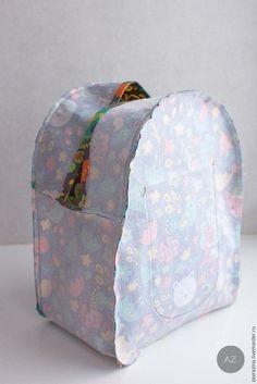 Molde mochila-artesanato em tecido - Feltro e moldes para artesanato Backpack Tutorial, Diy Backpack, Toddler Backpack, Backpack Pattern, Sewing Tutorials, Sewing Crafts, Sewing Patterns, Sewing Projects, Tutorial Sewing