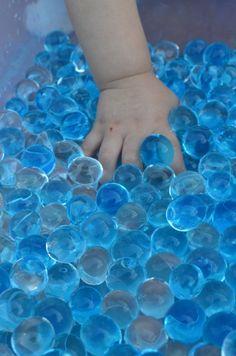 caja sensorial bolas de gel
