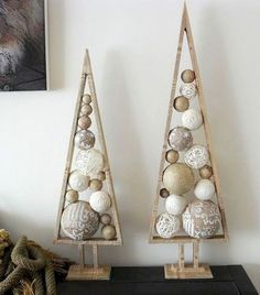 39 Ideas Rustic Modern Christmas Tree Xmas For 2019 Alternative Christmas Tree, Diy Christmas Tree, Christmas Projects, All Things Christmas, Christmas Tree Decorations, Christmas Ornaments, Christmas Balls, Xmas Trees, Holiday Tree