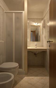 bagno/restroom camera n°207  #lasibilla #sassotetto #sarnano #sibillini #macerata #marche #italy