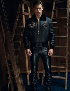 Mens Leather Trousers, Biker Leather, Leather Jacket, Mens Fashion Shoes, Leather Fashion, Men's Fashion, Fashion Ideas, Latex Men, Leder Outfits
