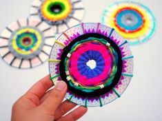 And art project. how to weave cds with kids- great craft and art project cd Crafts For Seniors, Crafts For Teens, Projects For Kids, Diy For Kids, Art Projects, Cd Crafts, Yarn Crafts, Arts And Crafts, Weaving Projects
