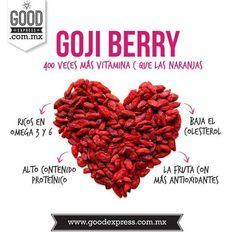 SÚPER GOJI BERRIES!Todo lo bueno que te puede aportar esta fruta que aunque es pequeñita es de lo mejor que puedes consumir!✨ Es considerada la fruta con mayor contenido de antioxidantes Tiene 400 veces más Vitamina C que las naranjas Alto contenido de Omega 3 y 6 que ayuda al buen funcionamiento del cerebro y el sistema nervioso. También es rico en proteínas y aparte de todo baja el colesterol! Nos encanta saber que te cuidas  ENVÍOS A TODO MÉXICO