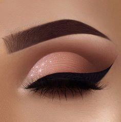 Fabulous Eye Makeup Ideas Make Your Eyes Pop Soft Glam Eye Make-up - sexy Augen Make-up Ideen Sexy Eye Makeup, Creative Eye Makeup, Makeup Eye Looks, Eye Makeup Art, Beautiful Eye Makeup, Colorful Eye Makeup, Smokey Eye Makeup, Cute Makeup, Glam Makeup
