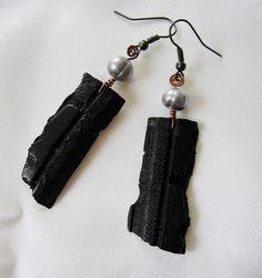 Boucles d'oreilles chambre à air recyclée et perles d'eau douce by patynett