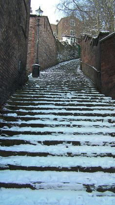 Wintery 108 Steps..... Macclesfield! Beautiful Islands, Beautiful Places, Cheshire England, Moving To New Zealand, Slow Travel, Architecture Old, Winter Wonder, English Countryside, Winter Scenes