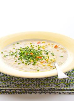 Corn season isn't complete without a big bowl of rich, delicious corn chowder. Today we're sharing a Veggie Corn Chowder from 100 Days of Real Food by Lisa Leake, our new cookbook that's coming out. Chowder Recipes, Soup Recipes, Drink Recipes, Whole Food Recipes, Healthy Recipes, Healthy Food, Delicious Recipes, Great Dinner Recipes, Vegetarian