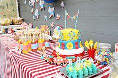 Décoration cirque pour l'anniversaire de Calixte et Zadig ! Circus deco kid birthday