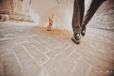 Wedding in Tuscany, details, shoes, scarpe sposi