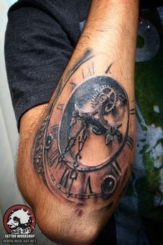 Our Website is the greatest collection of tattoos designs and artists. Find Inspirations for your next Clock Tattoo. Search for more Tattoos. Tattoos 3d, Time Tattoos, Forearm Tattoos, Body Art Tattoos, Tattoo Drawings, Sleeve Tattoos, Tattoos For Guys, Cool Tattoos, Tatoos