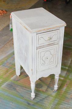 [little-white-table-before3.jpg]