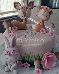 First Birthday Cakes, Birthday Cake Girls, Fancy Cakes, Cute Cakes, Fimo Kawaii, Woodland Cake, Cake Topper Tutorial, Fondant Animals, Animal Cakes