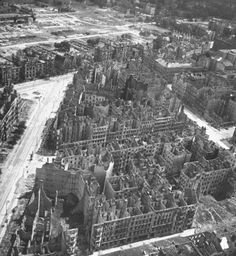 William Vandivert, Aerial view of bombed out buildings in Berlin, July 1945