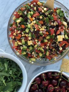 The famous black bean salsa everyone loves, with a SECRET healthy ingredient! I made this for a BBQ, and decided to throw in a bunch of chopped baby kale.guess what? Everyone is so used to eating it with the green cilantro, that nobody even. Easy Healthy Dinners, Healthy Dinner Recipes, Real Food Recipes, Healthy Snacks, Beef Recipes, Clean Eating Snacks, Healthy Eating, Healthy Cooking, Cilantro