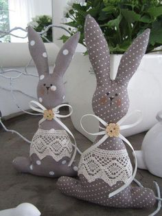 63 Unique Easter Decor Ideas To Give Your Home A Stylish TouchDecorating your house this Easter won't be a hard task as we bring to you the most stunning unique Easter decor ideas to add a touch of festivity to your interiors. Explore all ideas to Bunny Crafts, Easter Crafts, Easter Decor, Diy Ostern, Easter Projects, Fabric Toys, Sewing Toys, Stuffed Toys Patterns, Spring Crafts