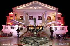 Hotel Pałac Akropol to sprawdzony obiekt zlokalizowany w Lublinie w którym poza pokojami gościnnymi można znaleźć restaurację, bar, salę konferencyjną, parking. więcej na: http://www.nocowanie.pl/noclegi/lublin/hotele/73849/