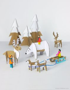 Similar to paper dolls, these Yuletide Friends Cardboard Toys are fun to assemble and even more fun to play with. These Christmas crafts for kids involve some imagination and precision. With the free printable templates, you get a lot of patterns. Kids Crafts, Christmas Crafts For Kids, Christmas Diy, Craft Projects, Christmas Decorations, Xmas, Cool Crafts, Crafts Cheap, Childrens Christmas