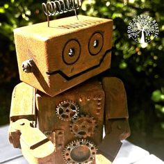 Wooden Robot - RUSTY'r'BOT COGS (JOINTED) Approx size: Head and body length : 100mm Head width : 56mm Depth : 30mm
