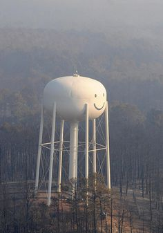 I've always loved seeing this happy water tower right outside of Bastrop. Since the fires, driving through there is so sad.