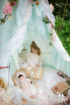 vintage tent in the woods children photography ideas