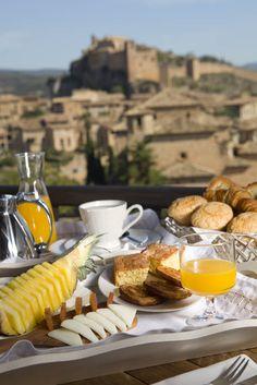 Desayuno en la Terraza Casa Alodia Alquezar Huesca