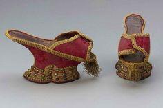 chapines de terciopelo con oro