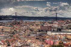 https://flic.kr/p/9Mg1Nv   Vista da Senhora do Monte   Clique efectuado em 2011-03-05. Vista do miradouro da Senhora do Monte, abrangendo a baixa de Lisboa e o Tejo, com destaque para a Ponte 25 de Abril.